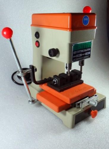 fréza na kopírování klíčů stroj bruska