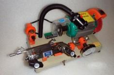 Stroje a nářadí