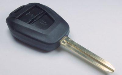 klíč isuzu dvě tlačítka