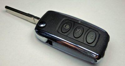 klíč Bentley vystřelovací obal dálkové ovládání tři tlačítka